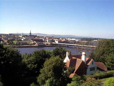 View of Craigavon Bridge - Londonderry